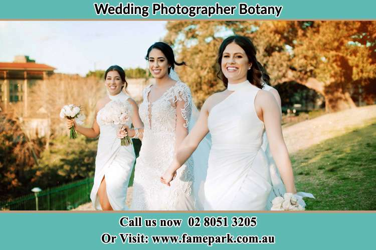 Photo of the Bride and the bridesmaids walking Botany NSW 2019