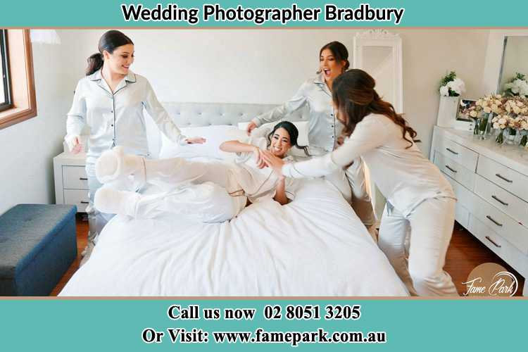 Photo of the Bride and the bridesmaids Bradbury NSW 2560
