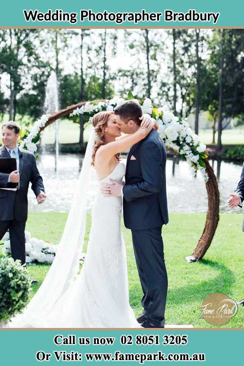 Photo of the Bride and the Groom kissing Bradbury NSW 2560
