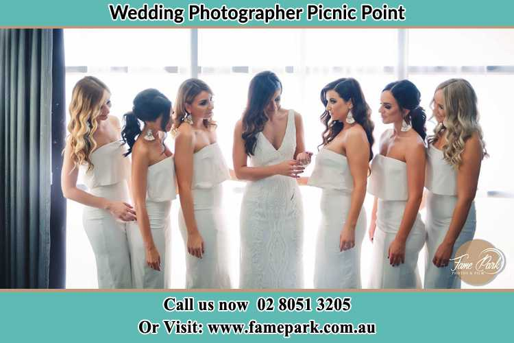 Photo of the Bride and the bridesmaids Picnic Point NSW 2213